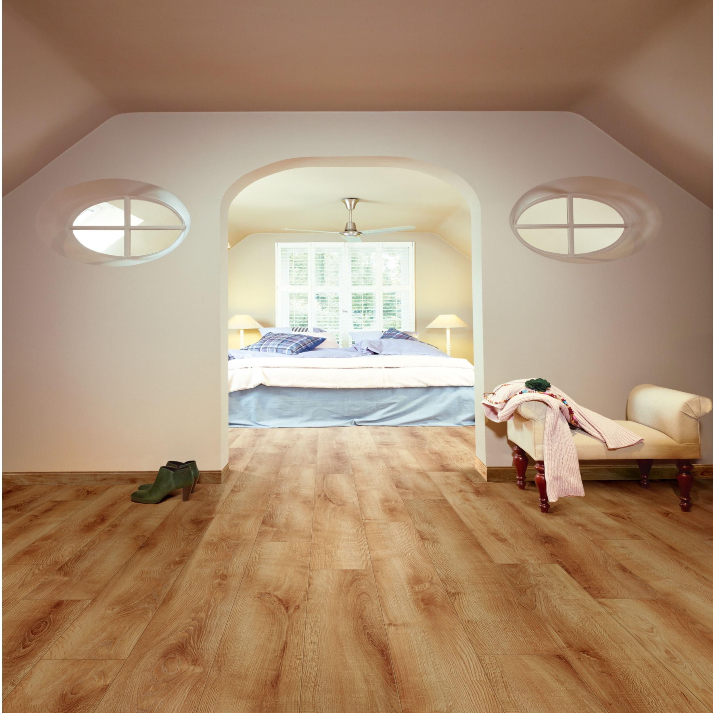 Summer Oak Laminate Flooring 8mm 11 99 Sq Yrd